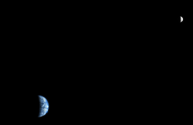 The Earth and Moon as Seen from Mars  (PSP_005558_9040) Credit: NASA/JPL/University of Arizona