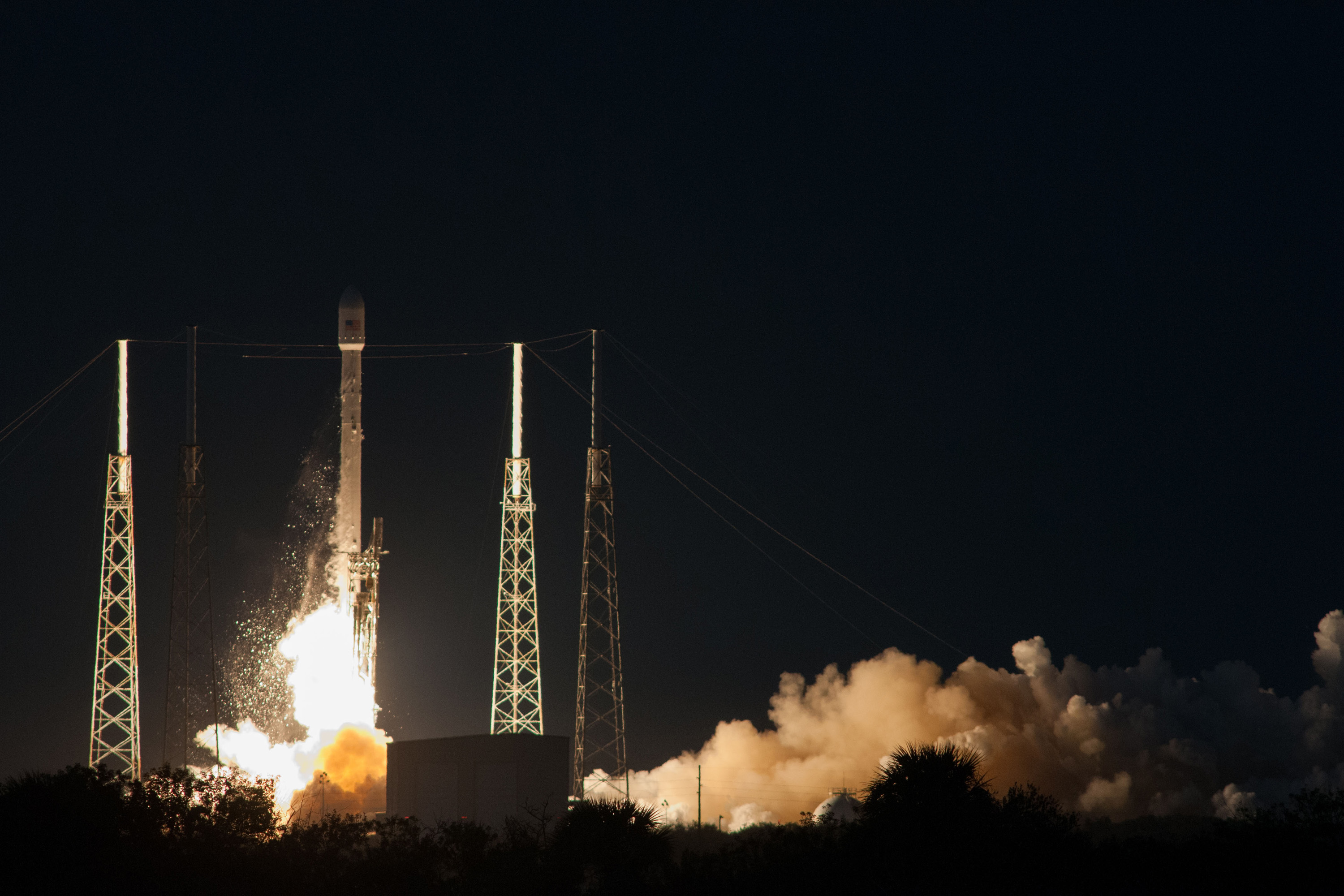 Falcon 9 and SES-8 liftoff from SpaceX's launch pad at Cape Canaveral. Credit: SpaceX