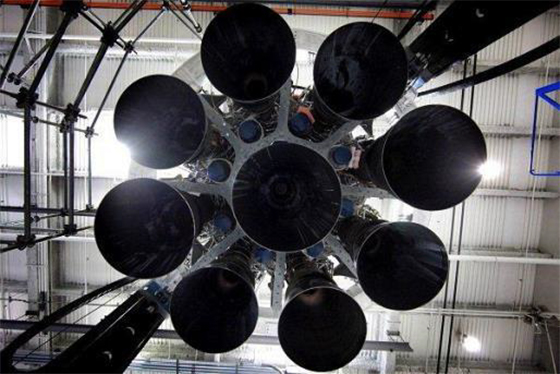 The Octaweb arrangement of the Falcon 9 first stage Merlin 1D engines. Credit: SpaceX