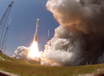 Atlas V Successfully Deploys Classified NROL-67 Satellite