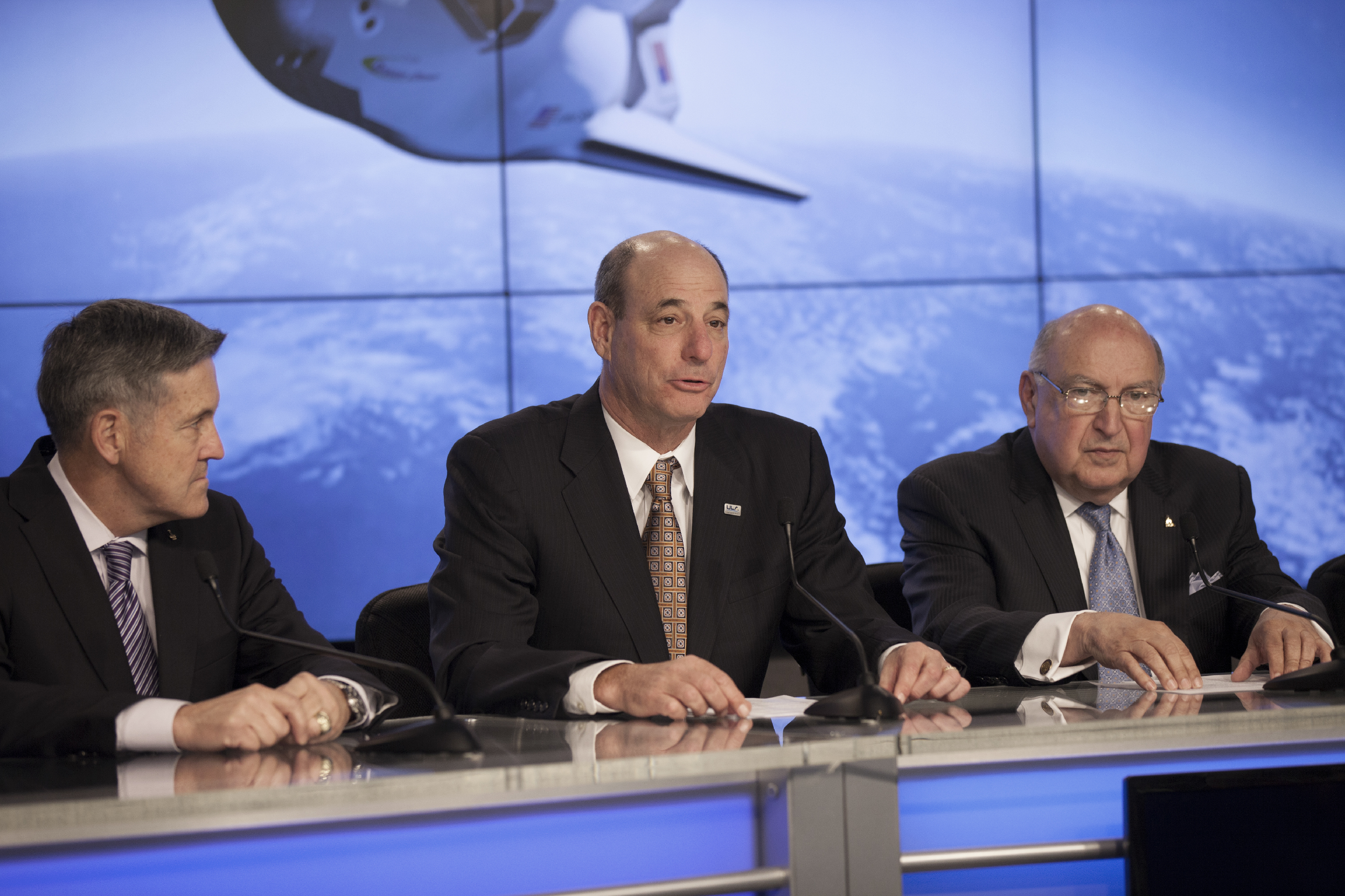 Michael Gass, president and CEO of United Launch Alliance, or ULA, joins Sierra Nevada Corporation, or SNC, Space Systems, as the company announces the steps it will take to prepare for a November 2016 orbital flight of its Dream Chaser spacecraft from Florida's Space Coast. Photo credit: NASA/Kim Shiflett