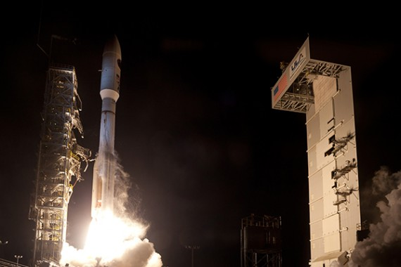 Powerful Atlas Launches Clandestine Satellite From California