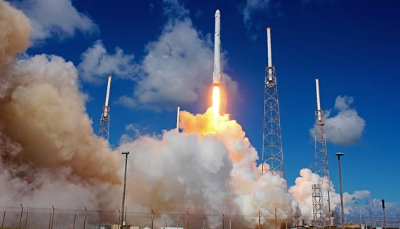 Video Feature: SpaceX Falcon 9 CRS-7 Launch In Slow Motion